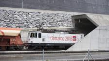Audio «Premiere geglückt: Erster Güterzug durchfährt Gotthardbasistunnel» abspielen.