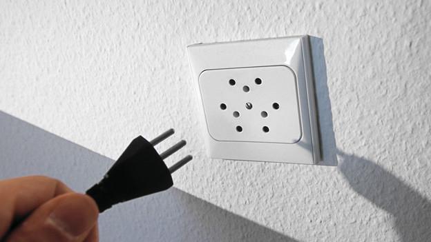 schweizer elektroger te brauchen schweizer stecker sendungen srf. Black Bedroom Furniture Sets. Home Design Ideas