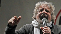 "Audio ""Beppe Grillo, Wirbelwind der Bewegung Cinque Stelle"" abspielen."