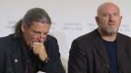 Oskar Freysinger (links) und sein umstrittener Berater vor den Medien.