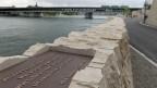 Insgesamt gibt es beidseits des Rheins 24 Stationen mit Texten von Dichtern aus dem Dreiland (Bild: Keystone)