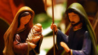 Krippenfiguren: Maria, Jesus und Josef.