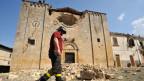 Zerstörte Kirche in der nähe von L'Aquila.