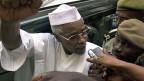 Tschads Ex-Diktator Hissène Habré ist in einem Kriegsverbrecherprozess zu lebenslanger Haft verurteilt worden.