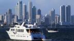 Boote in der Panama Bay. Am 3 April 2016 ist durchgesickert, dass 140 Politiker und Beamte aus der ganzen Welt, darunter 72 ehemalige und aktuelle Weltmarktführer, Verbindungen mit geheimen «Offshore»-Unternehmen haben, um der Steuerkontrolle in ihren Ländern zu entkommen.
