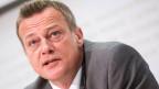 Martin Landolt, BDP-Parteipräsident, während der Pressekonferenz zum «Gegenentwurf RASA-Initiative» am Montag 25. April 2016 in Bern.