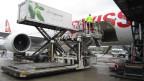 Bealdung einer Boeing 777 der Fluggesellschaft Swiss.