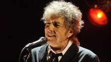 Laschar ir audio «Bob Dylan: Can't Help Falling In Love».