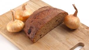 Audio «Einfach, schnell, günstig: Zwiebel-Brot» abspielen.