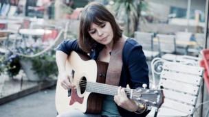 Audio «Live-Session: Katharina Busch spielt unseren Song vom Tag live» abspielen.