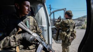 Audio Präsenz russischer Kämpfer in der Ukraine bestätigt abspielen.