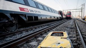 Audio «Zugunglück in Rafz: S-Bahn überfuhr Signal» abspielen.