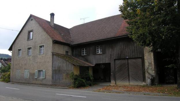 ferien im denkmal in wegenstetten mit flederm usen regionaljournal aargau solothurn srf. Black Bedroom Furniture Sets. Home Design Ideas