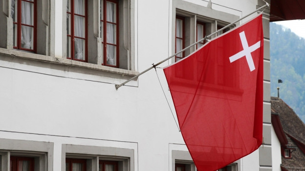 berraschendes plus in der schwyzer staatsrechnung 2015 regionaljournal zentralschweiz srf. Black Bedroom Furniture Sets. Home Design Ideas