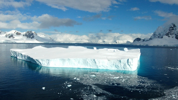 Muntognas da glatsch en l'Antartica.
