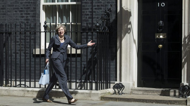 La nova primministra avant la 10 Downing Street.