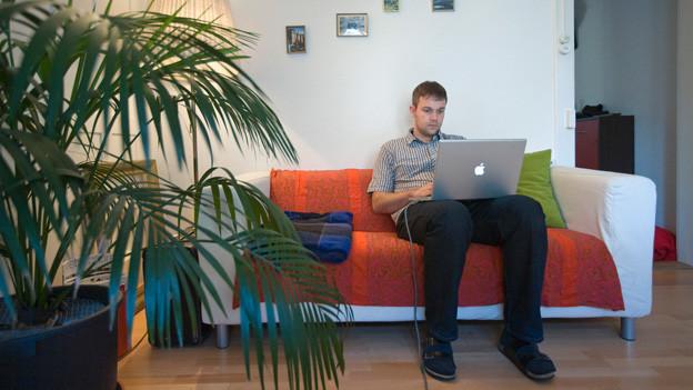 home office sch ne neue arbeitswelt treffpunkt schweizer radio und fernsehen. Black Bedroom Furniture Sets. Home Design Ideas
