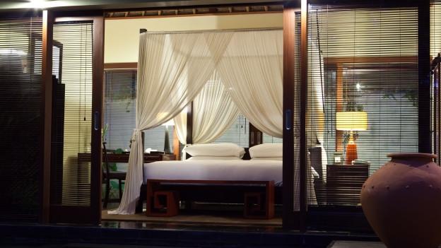 angenehm k hl schlafen mit oder ohne klimaanlage. Black Bedroom Furniture Sets. Home Design Ideas