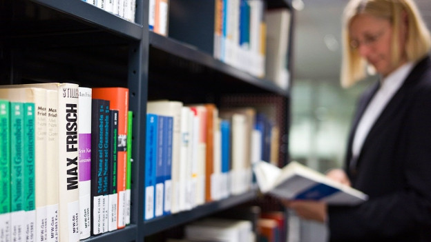 Blick in eine Bibliothek.